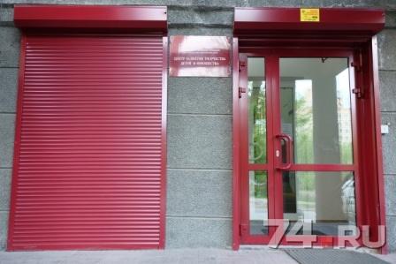 монтаж двери входной группы