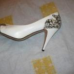 Туфли белые «Tamaris». Размер 39, Челябинск