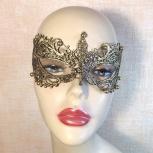 Золотая ажурная маска с бусинами, Челябинск